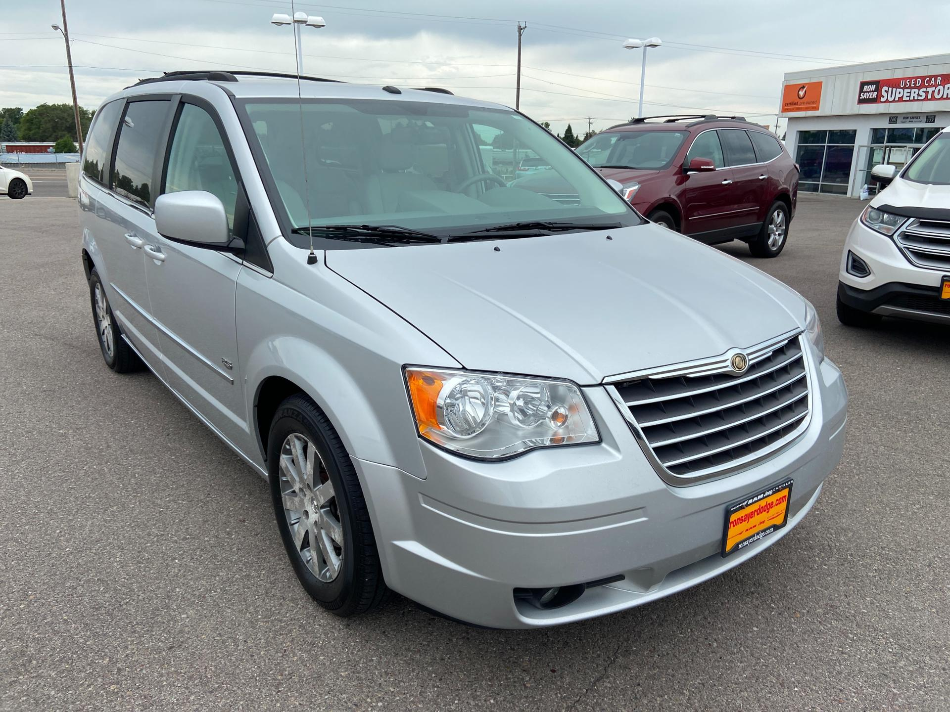 Pre-Owned 2009 Chrysler Town & Country Touring 25th Anniversary Edition