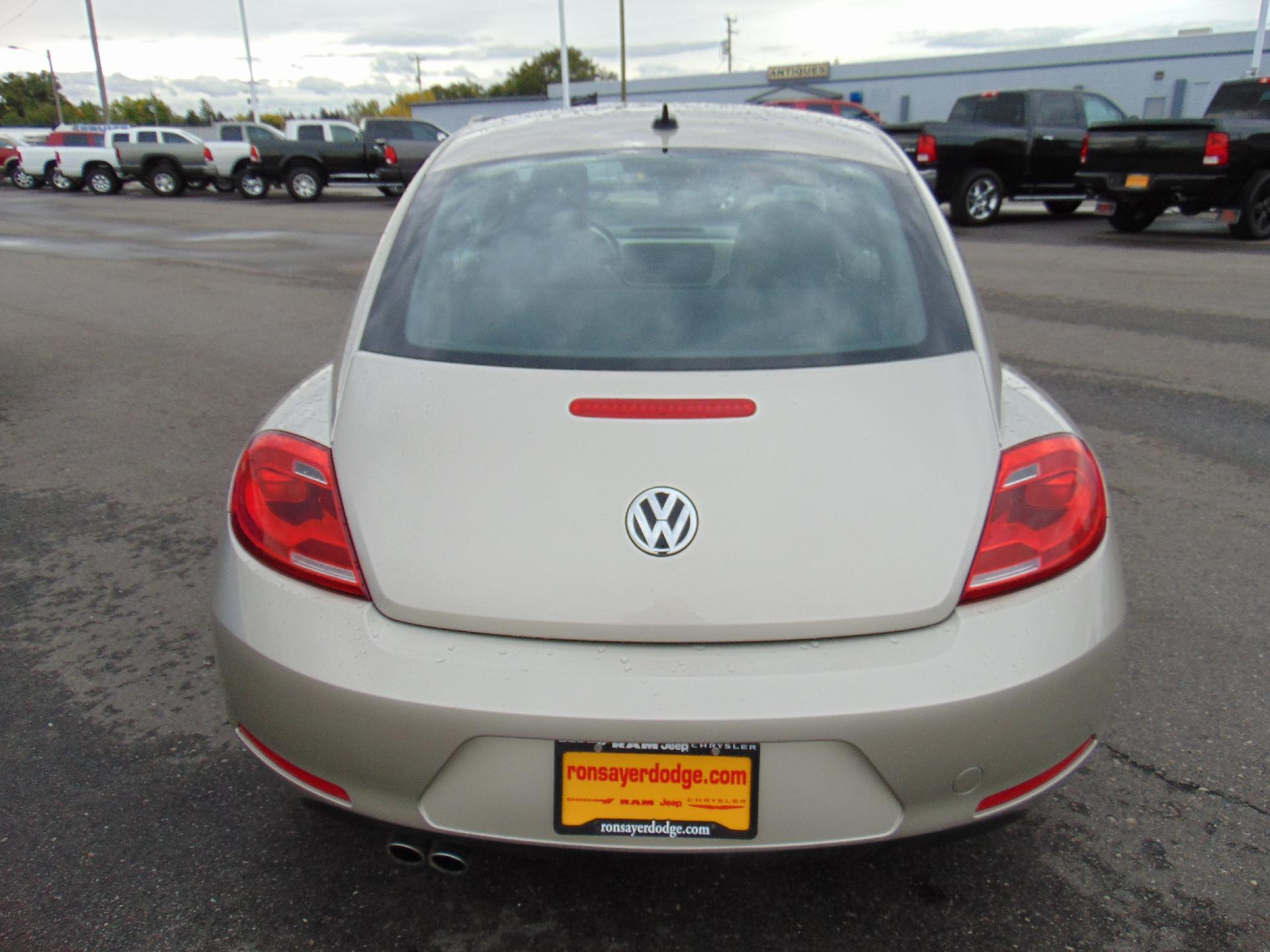 Pre-Owned 2015 Volkswagen Beetle Coupe 1.8T